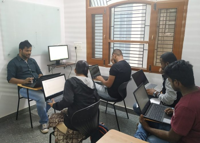 Besant Technologies Classroom with Student